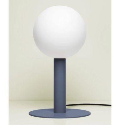 niebieska lampa stołowa