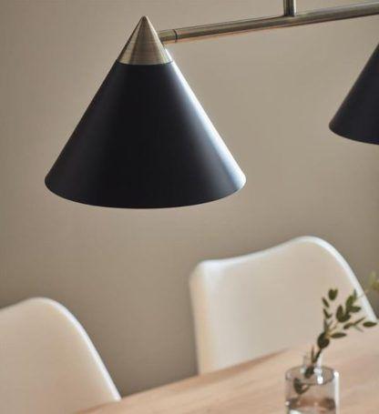 lampa wisząca ze stożkowymi kloszami