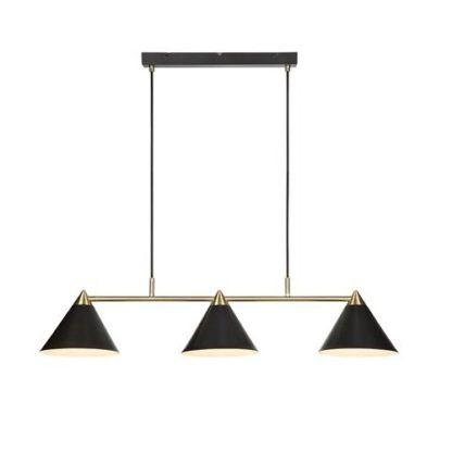 podłużna lampa wisząca nad stół