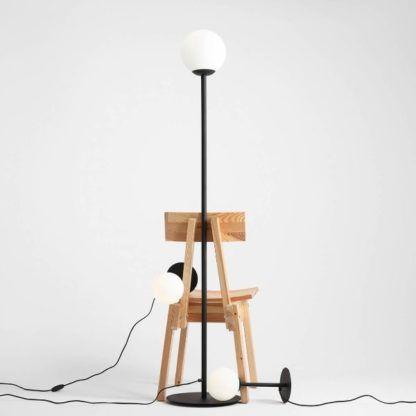 lampa podłogowa do salonu nowoczesna