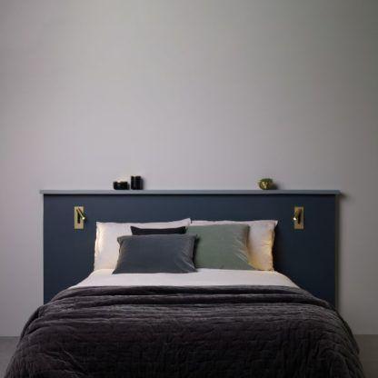 złoty reflektor do sypialni