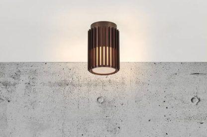 sufitowa lampa na patio