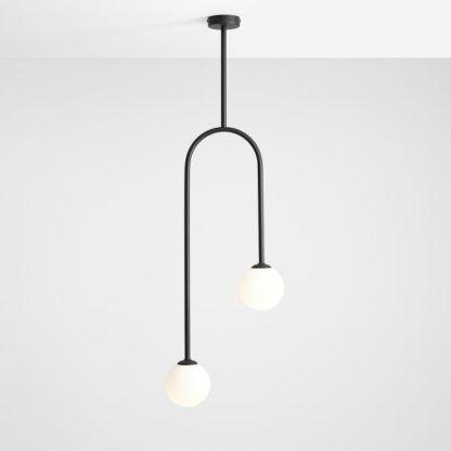 czarna lampa wisząca łuk z białymi kulami