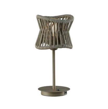 lampa z tworzywa