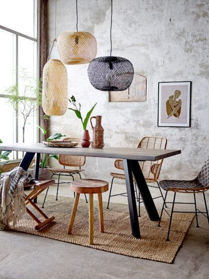 Czarna lampa wisząca Rodi - bambusowy klosz