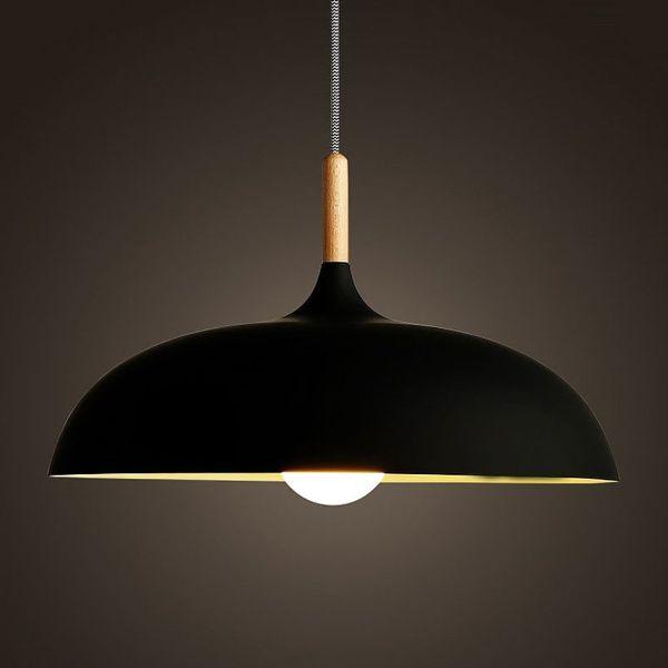 lampa wisząca z szerokim kloszem nad stół