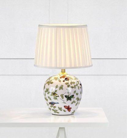 lampa stołowa z plisowanym abażurem