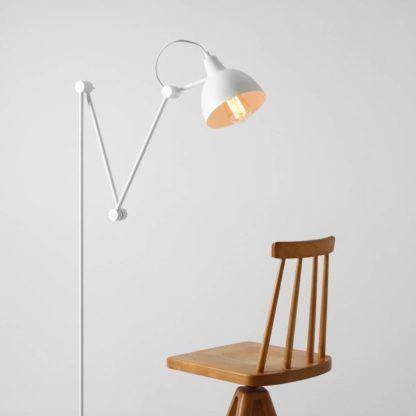 biała lampa podłogowa nowoczesna