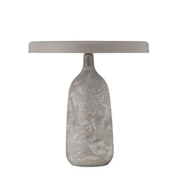 szara lampa stołowa z włoskiego marmuru