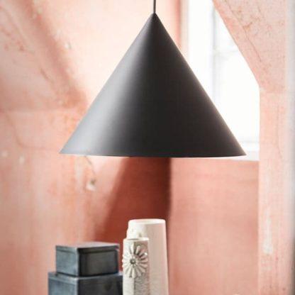 nowoczesna lampa wisząca szara - aranżacja
