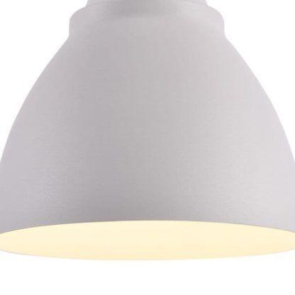 lampa wisząca z metalowym kloszem