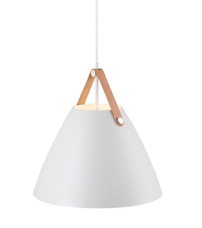 stożkowa lampa wisząca z białym kloszem w stylu nowoczesnym