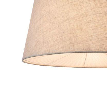 średnia lampa wisząca z jasnym kloszem w kolorze beżowym