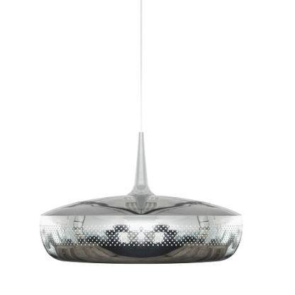 chromowana lampa wisząca w stylu nowoczesnym, płaski klosz z perforacją
