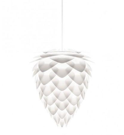 biała lampa wisząca w stylu skandynawskim, kształt szyszki