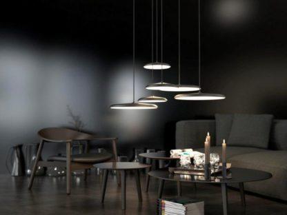 lampa metalowa z płaskim kloszem. czarna, styl skandynawski - aranżacja
