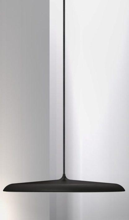 czarna lampa matowa z panelem led, cienki klosz nad stół, okrągła