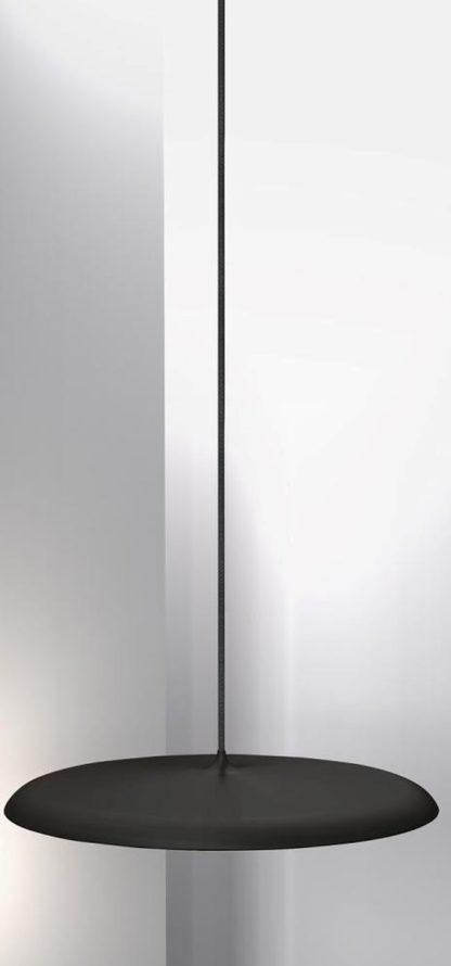 lampa wisząca z cienkim, matowym kloszem w czarnym kolorze, styl nowoczesny