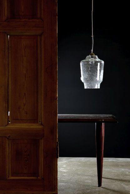 transparentna lampa wisząca ze szkła, produkt polski - aranżacja