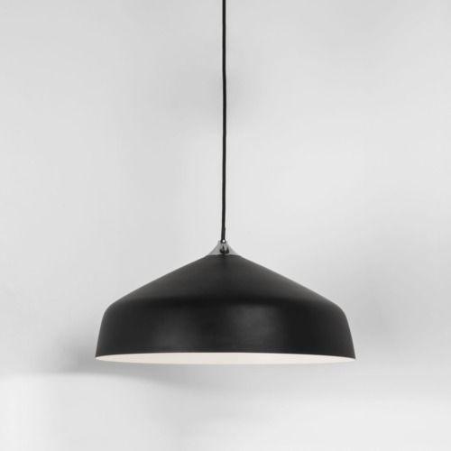 aranżacja - średnia lampa wisząca w kolorze czarnym matowym