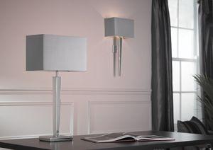 srebrny, chromowany kinkiet w stylu modern classic - aranżacja salon