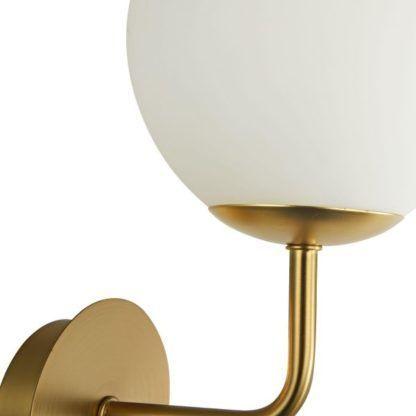 Elegancki kinkiet w stylu Art Deco ze szklanym mlecznym kloszem