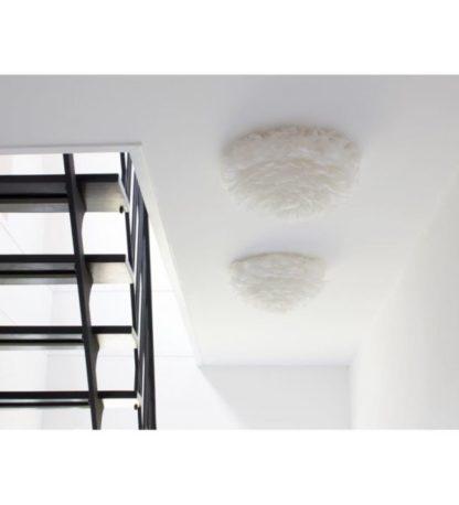 biała lampa sufitowa z piór gęsi, styl nowoczesny - aranżacja przedpokój
