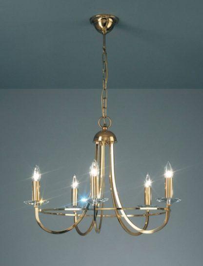 złoty żyrandol w klasycznym stylu