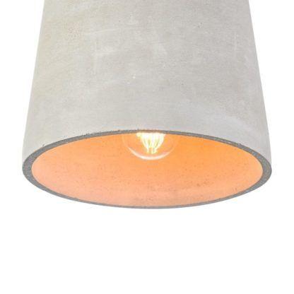 betonowa siwa lampa wiszaca