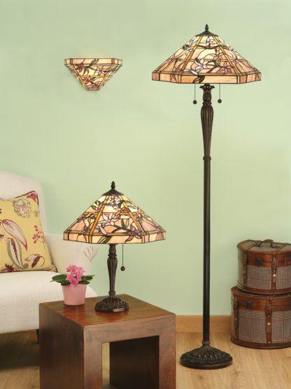 aranżacja - lampa podłogowa w kolorze brązowym na dwie żarówki