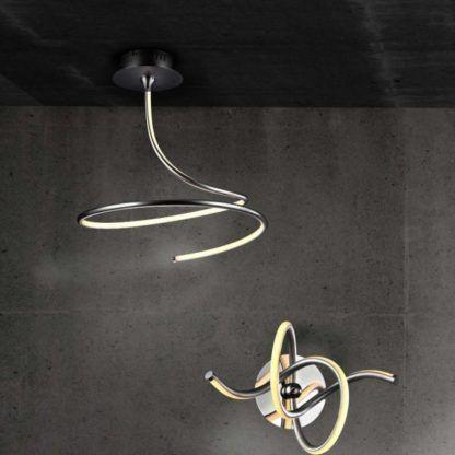 żółto srebrny kinkiet i żyrandol aranżacja