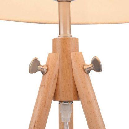 trójnóg stołowy w stylu skandynawskim o jasnej drewnianej podstawie