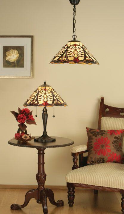 aranżacja - mała klasyczna lampa na stół ze szkła Tiffany