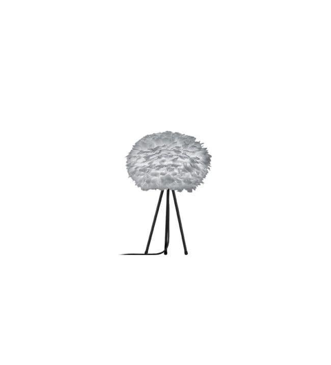 duża lampa stołowa na czarnym trójnogu, szary klosz okrągły - aranżacja salon z zielenią