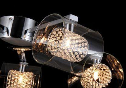 lampa sufitowa ze szklanymi kloszami i kryształami