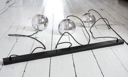 lampa szynowa z trzema srebrnymi kulami, chromowe klosze, styl nowoczesny