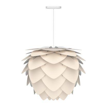 lampa wisząca z kloszem w kolorze perłowej bieli, klosz z małych płatków