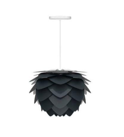 nowoczesna lampa wisząca z kloszem z płatków, czarny klosz oryginalny kształt, białe zawieszenie