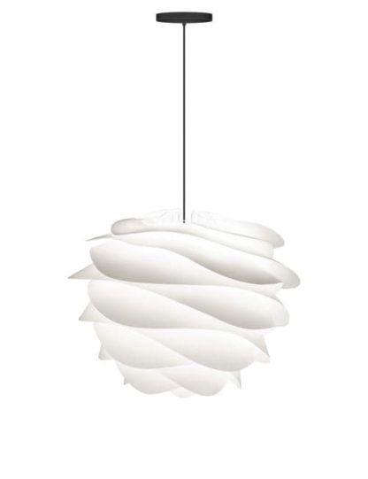 biała lampa wisząca, klosz falujący, czarny kabel, styl nowoczesny