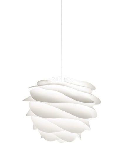 biała lampa wisząca z tworzywa, styl nowoczesny