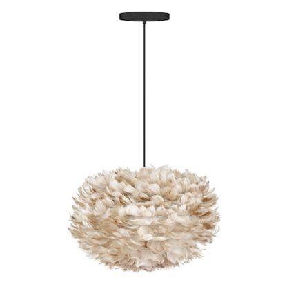 lampa wisząca w stylu skandynawskim, jasnobrązowy klosz z naturalnych piór