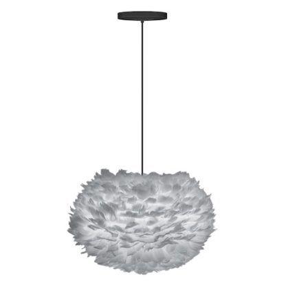 szara lampa wisząca z stylu skandynawskim, lekki klosz z naturalnych piór