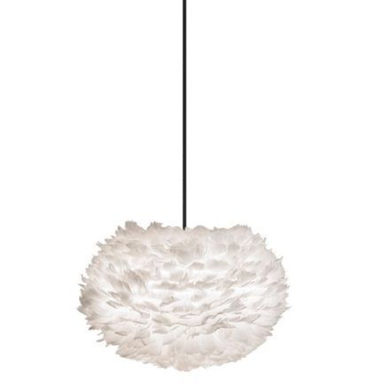 nowoczesna lampa wisząca z naturalnych piór, biały klosz w kształcie kuli