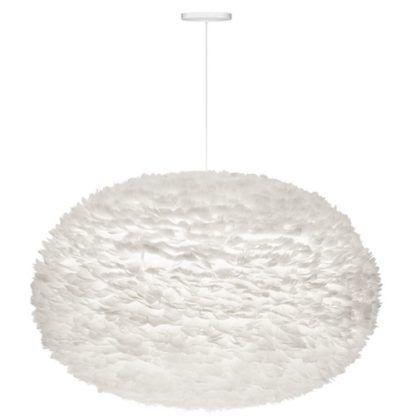 nowoczesna lampa wisząca z naturalnych piór, bardzo duży, okrągły klosz w białym kolorze