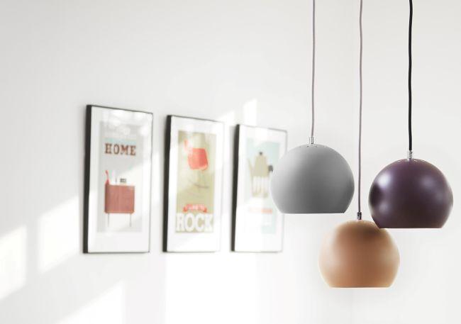 lampa wisząca, klosz w kształcie kuli - aranżacja
