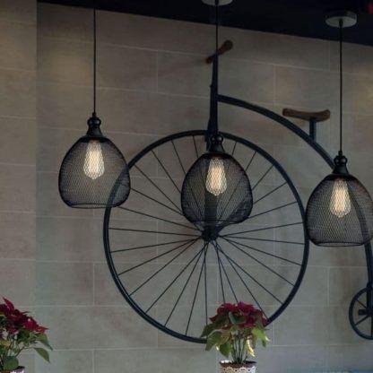 3 geometryczne lampy z drutu czarnego i żarówką edisona