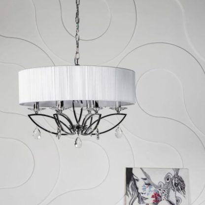 lampa wisząca z kloszem kulistym białym i chromowaną konstrukcją