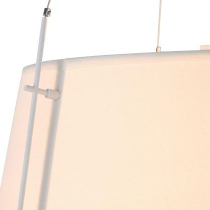 abażur biały z lampy podłogowej