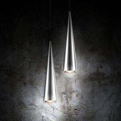 dwie lampy wiszące srebrne stożkowe - aranżacja