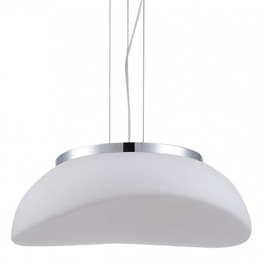 lampa wisząca z kloszem z mlecznego szkła - aranżacja nowoczesna kuchnia